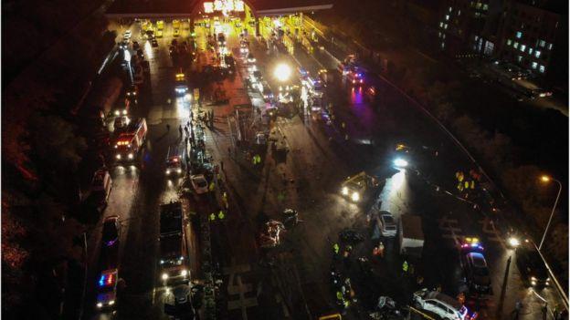 बेइजिङमा ट्रककाे ठक्करबाट १५ जनाको मृत्यु, ४० घाइते