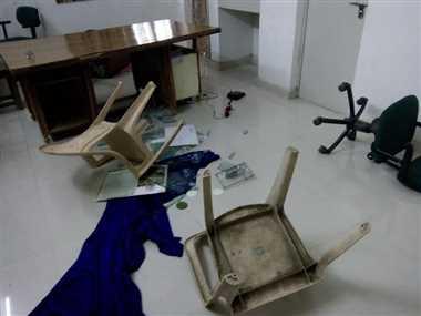 अज्ञात समूहद्वारा विद्यालयमा तोडफोड लाखौँको क्षति