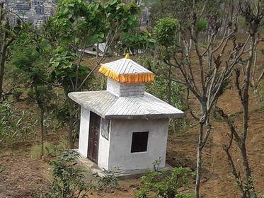 ३ लाख रुपैयाँको लागतमा भट्ट समाजले बनाए कुल पुजा मन्दिर